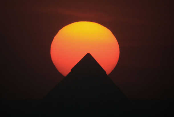 Go Investment 1357431707Happy-Earth-Day-Egypt-Sunset More Good News for Egypt as Stocks Rise Egypt News