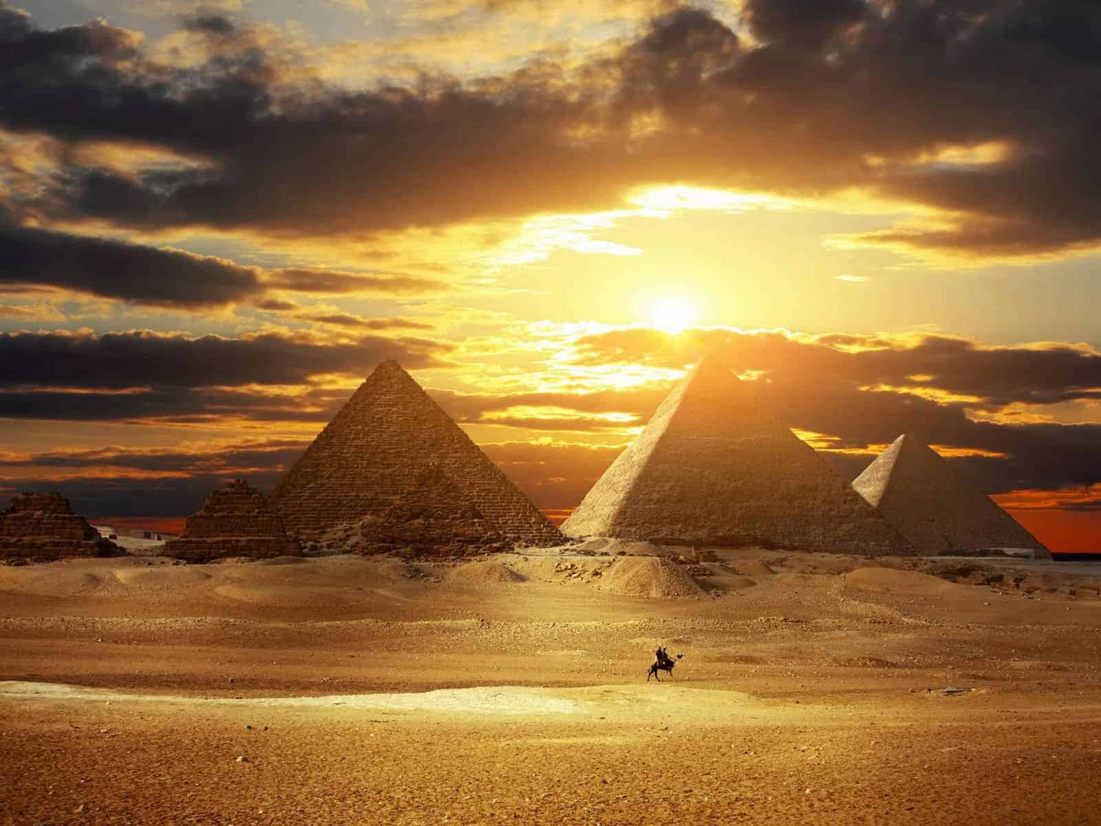 Go Investment Beautiful-Sunset-View-Of-Egyptian-Pyramids-Egypt Egypt voted Best Country in the World Egypt News